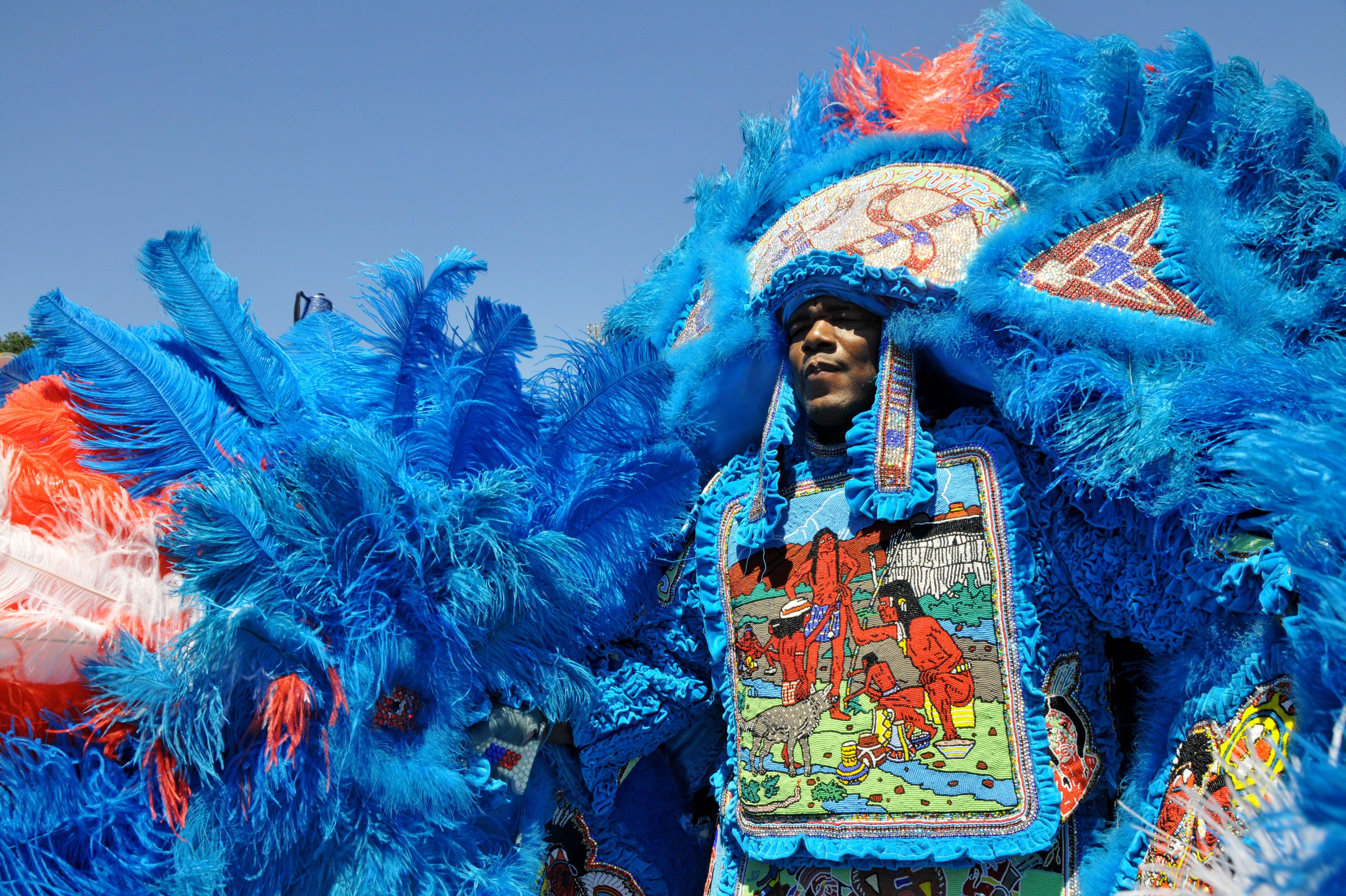 El espectacular traje de un Big Chief en Mardi Gras. Foto: Tulane Public Relations
