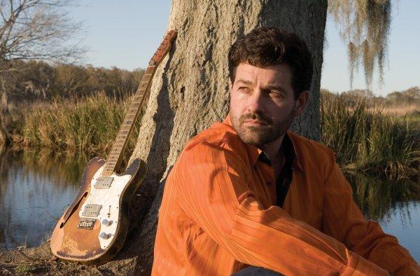 Tab Benoit, el bluesman de los pantanos. Foto: Philip Gould