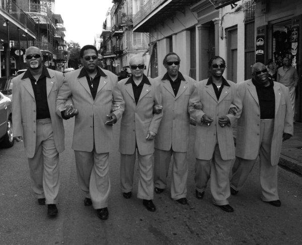 The Blind Boys Of Alabama, desfilando por las calles del Barrio Francés. Foto: Shannon Brinkman