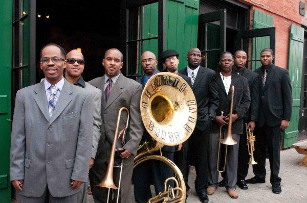 La Rebirth Brass Band, otro de los grupos que empezaron a experimentar con nuevossonidos. Foto: Jeffrey Dupuis
