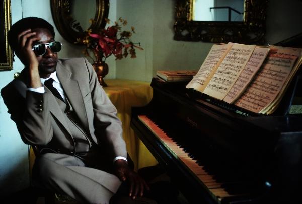 James Booker, posiblemente el pianista con mejor técnica de Nueva Orleans. Foto: Henry Horenstein