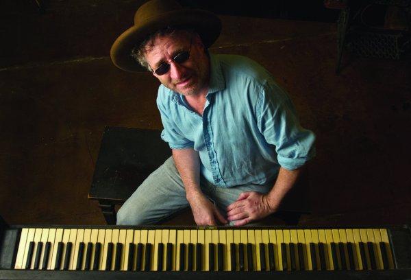 Jon Cleary, un británico heredero de los mejores pianistas de Nueva Orleans