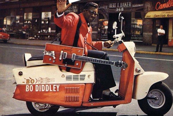 Bo Diddley y sus guitarras estrambóticas