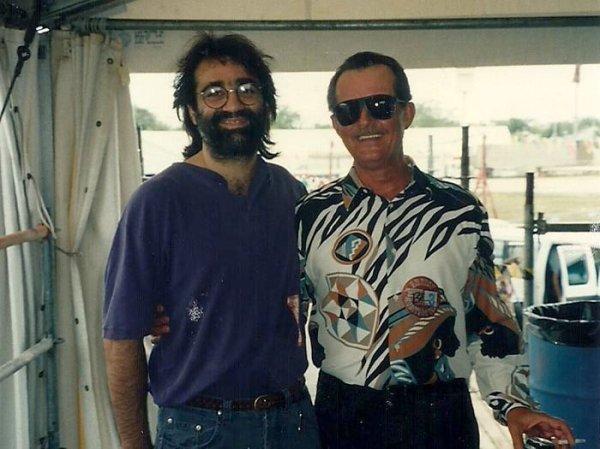 Carlo Ditta junto a Roland Stone