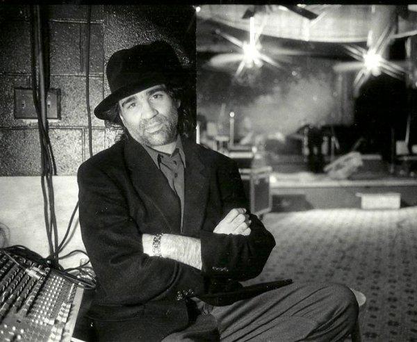 Carlo Ditta, de cantautor a productor
