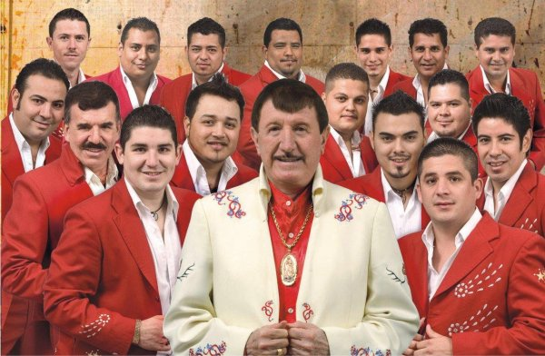 Germán Lizárraga y Su Banda Estrellas de Sinaloa: