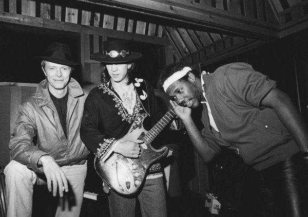 "David Bowie, Stevie Ray Vaughan y Nile Rodgers en la época de ""Let's Dance"""