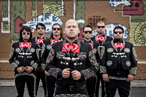 Mariachi El Bronx, hardcore desde Los Ángeles