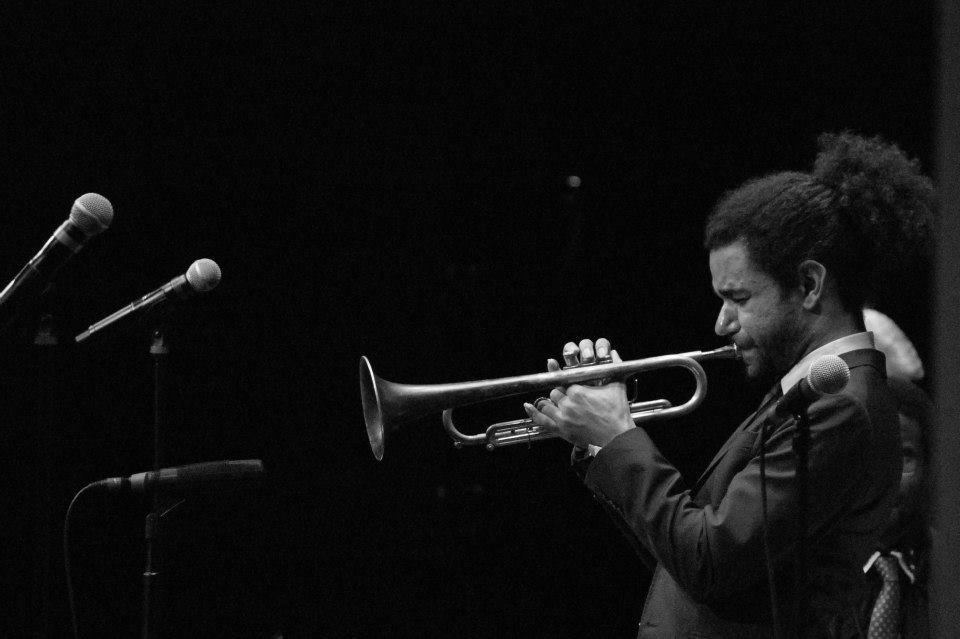 El brillante trompetista Ashlin Parker