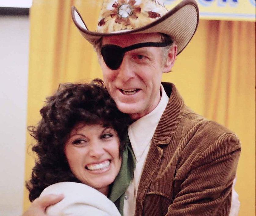Kay Adams con Dick Curless
